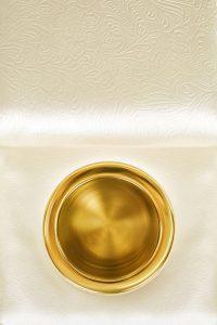 moovia berlin swarovski golden cupholder 2 200x300 - Moovia® Butaca Berlin